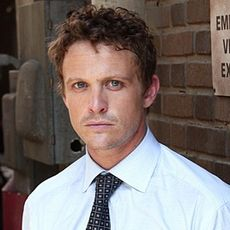 http://nerdvortex.files.wordpress.com/2010/06/230px-david_lyons_as_simon_brenner.jpg